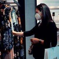 Índice de confianza del consumidor en el mundo cae a niveles récord por la pandemia