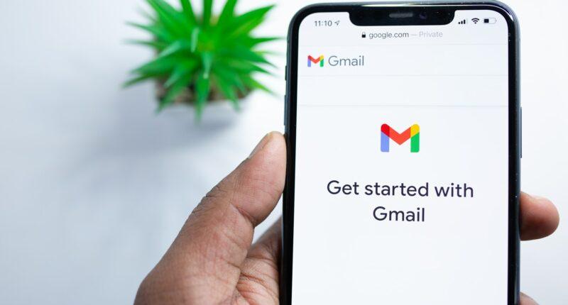 Correos Electrónicos Google Marketing Digital Unsplash
