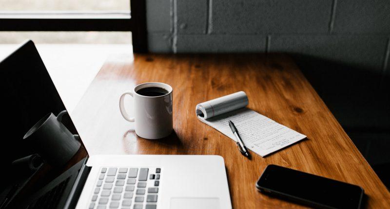 Editores Marketing Ingresos Educacion Cursos online Unsplash