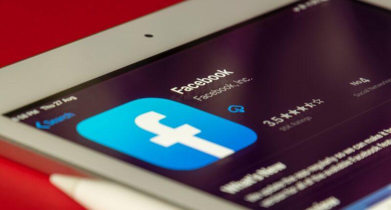 Facebook Ingresos Marketing Redes Sociales Unsplash