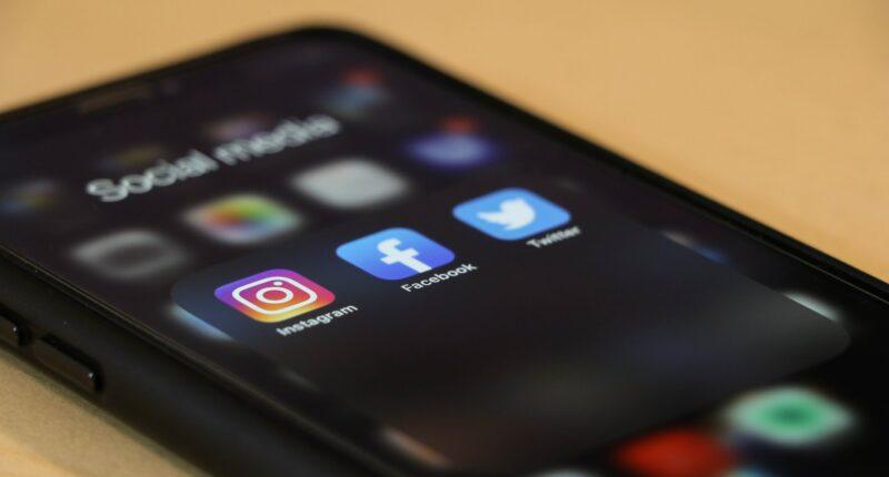 Redes Sociales Informe de los mejores horarios Unsplash